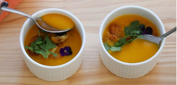 Rugani carrot and juice soup